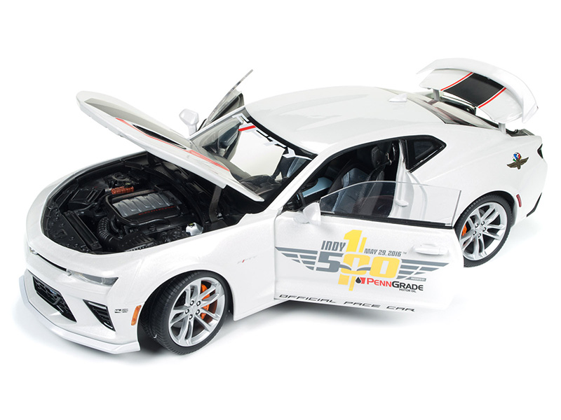 AMT 1:25 2017 Camaro Indy 500 Pace Car